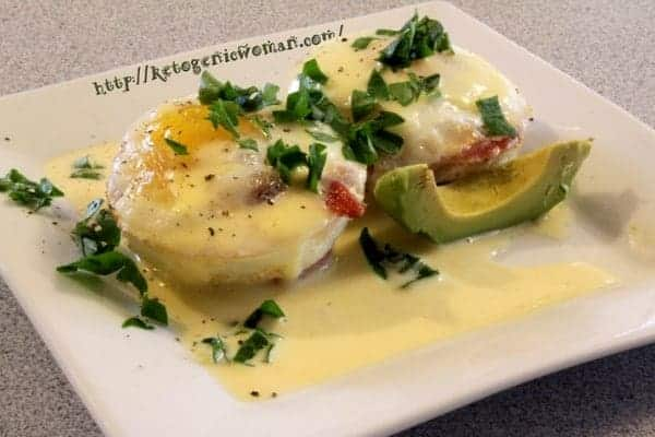 Try the most delicious and easy low carb Keto egg breakfast with this low carb Keto eggs benedict. This is the perfect morning meal to stay Keto without sacrificing flavor. Get more low carb egg breakfast ideas here.